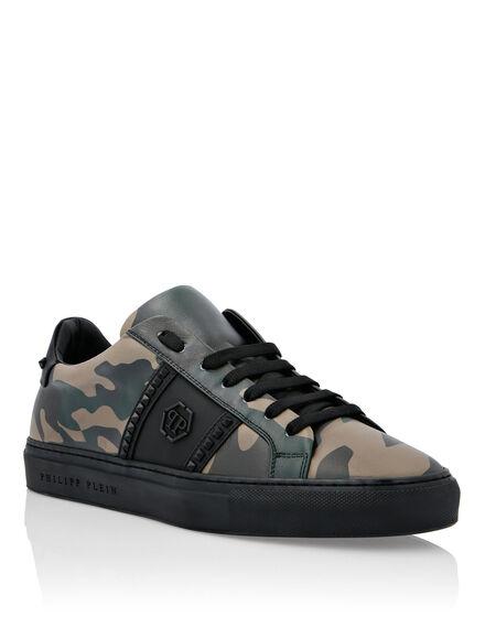 Nubuck Lo-Top Sneakers Hexagon and  Studs