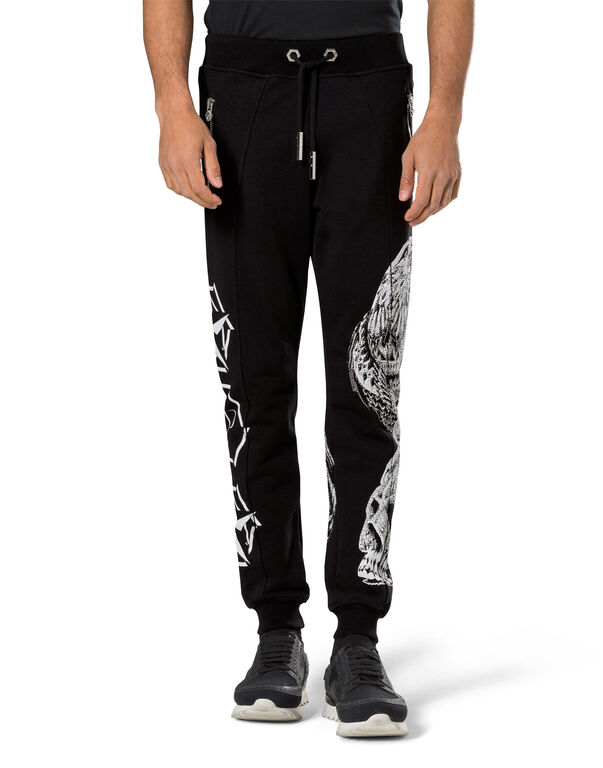 "jogging pants ""never enough"""