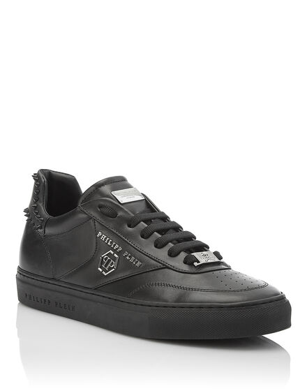 Lo-Top Sneakers Just Breathe