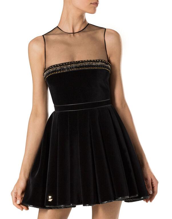 "dress ""her"""